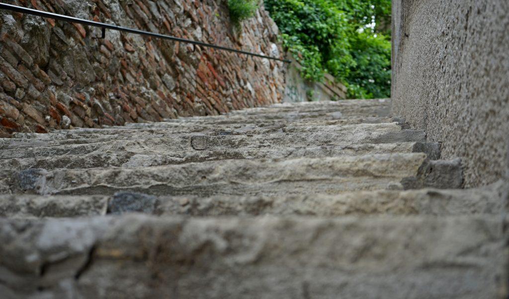 detail schodov